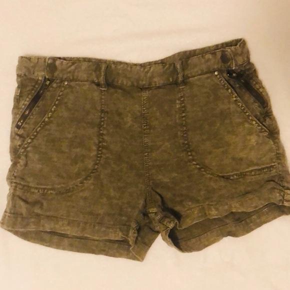 Free People Pants - Free People dark distressed green short, size 10.